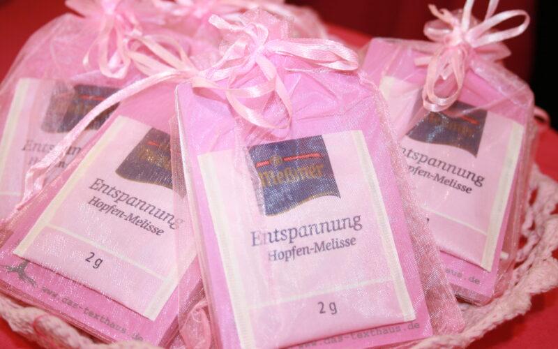Für die Mitausstellerinnen: Entspannungs-Päckchen vom Texthaus