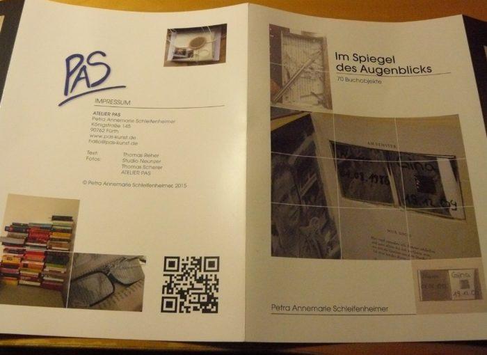 Aufwändig gestalteter Folder zu einem künstlerischen Projekt - Vorder- und Rückseite